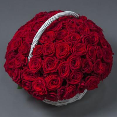 Корзина со 101 красной розой
