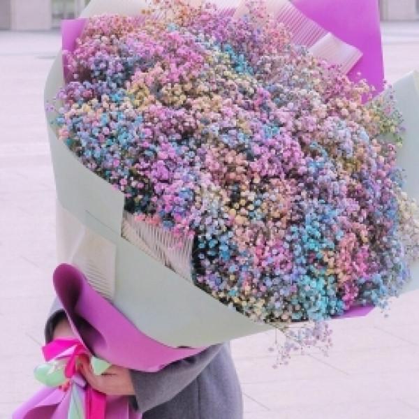 Букет из 101 разноцветной гипсофилы