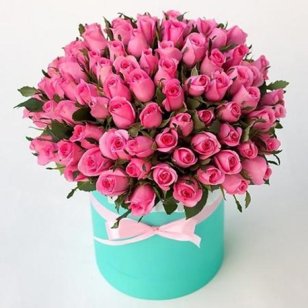 Композиция из 101 розовой розы в коробке
