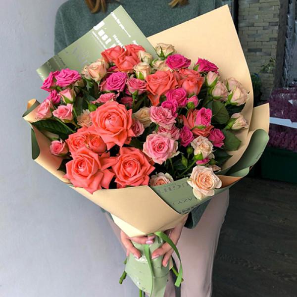 11 кустовых роз ассотри