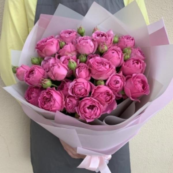 11 пионовидных кустовых роз