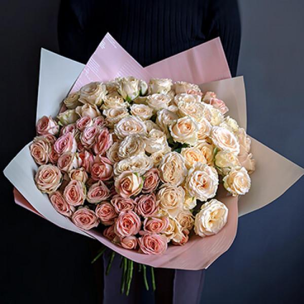 Букет из 35 кустовых роз