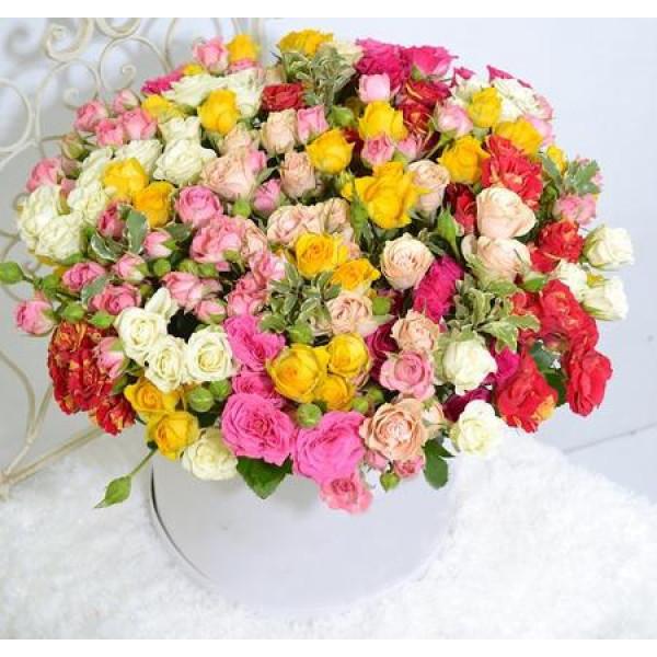 Композиция из 51 кустовой розы микс