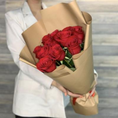 9 красных роз