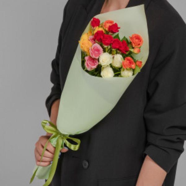 Букет из 5 кустовых роз ассорти