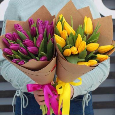 15 тюльпанов в упаковке КРАФТ