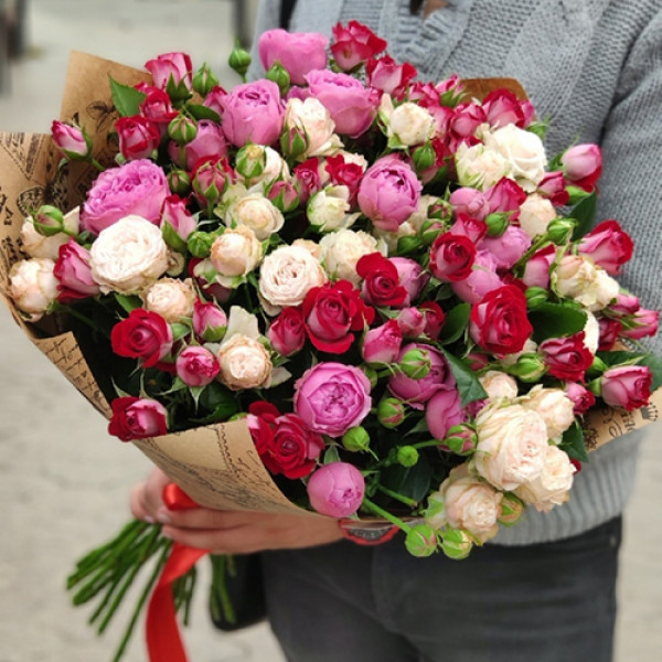 25 кустовых роз Ассорти