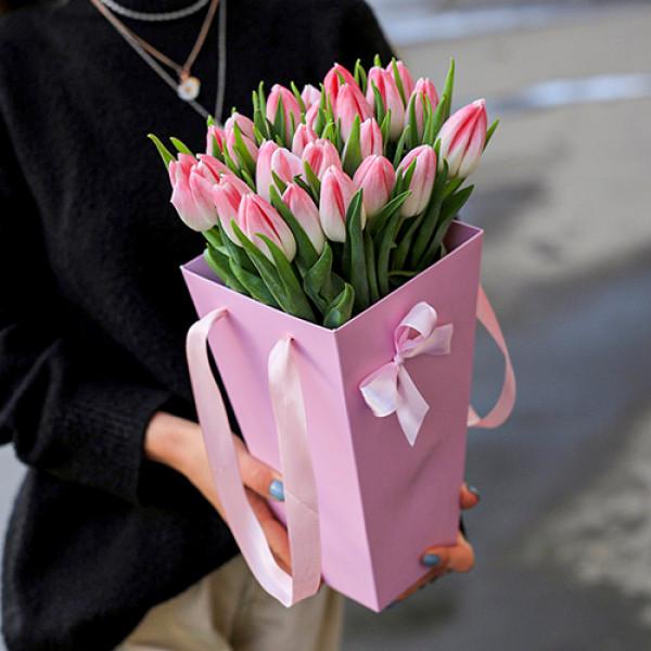 25 розовых тюльпанов в конусе