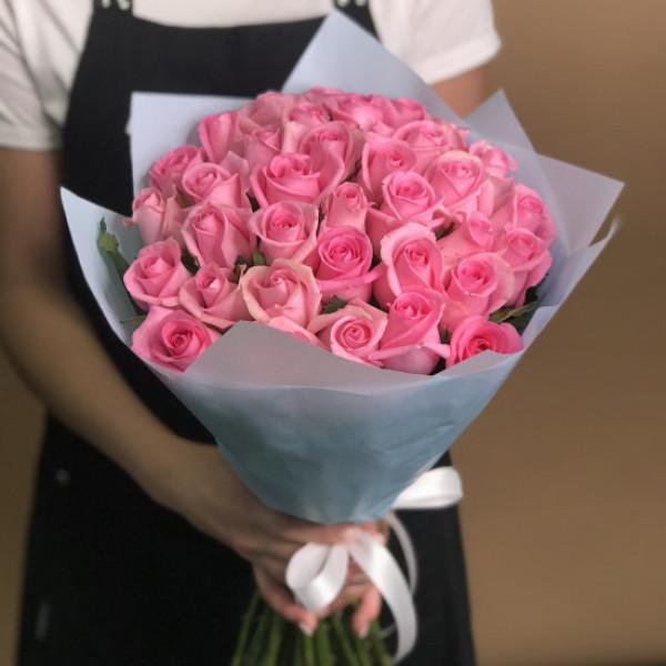 35 Розовых роз в упаковке