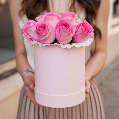 11 Розовых роз в шляпной коробке