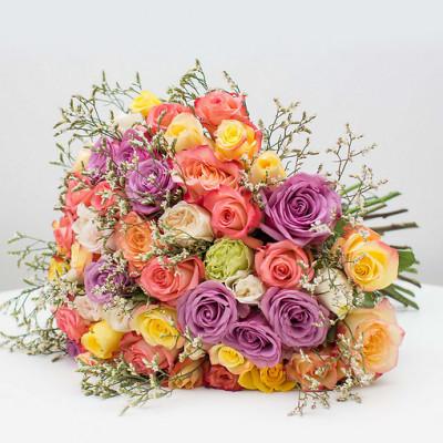 55 роз Ассорти с лимониумом