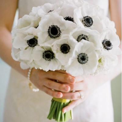 Букет невесты из 25 анемонов