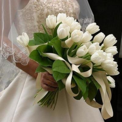 Букет невесты из 29 белых тюльпанов